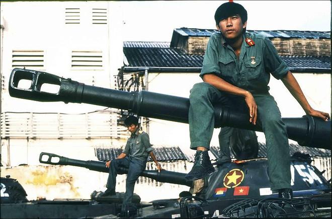 Thượng tướng Nguyễn Chí Vịnh: Chúng ta phải bước vào chiến tranh vì sự sinh tồn của nhân dân mình - Ảnh 2.