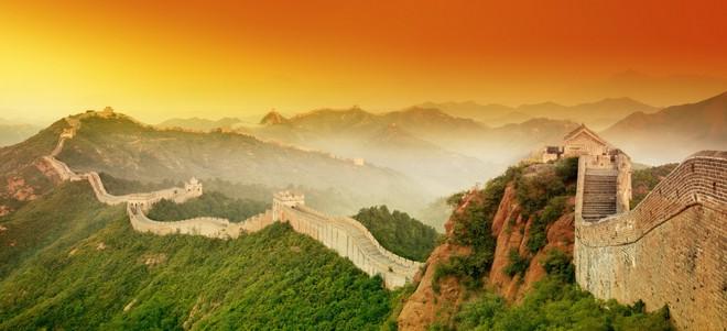 Vạn Lý Trường Thành là công trình quân sự dài hơn 8000km, được khoảng 800.000 người xây dựng trong khoảng thời gian 2000 năm. Nguồn: Internet
