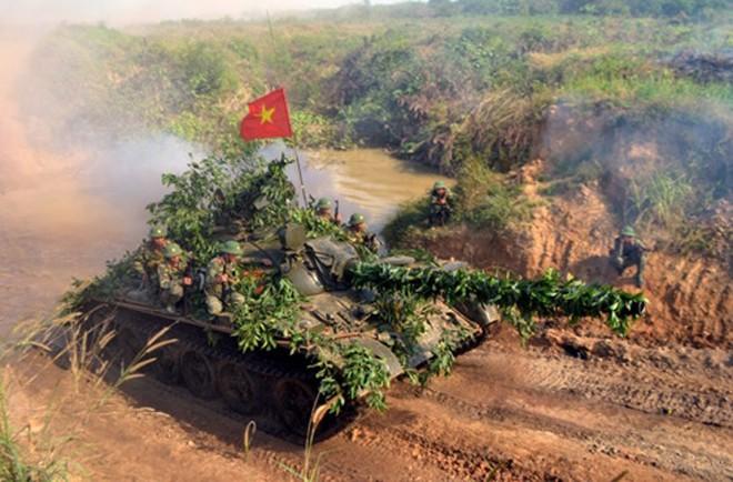 Những cú liều đứng tim của lính xe tăng Việt Nam ở Campuchia: Điểm huyệt Khmer Đỏ - Ảnh 3.