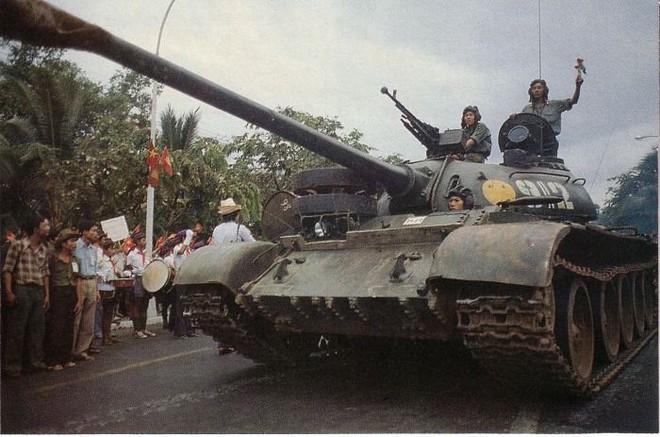 Những cú liều đứng tim của lính xe tăng Việt Nam ở Campuchia: Điểm huyệt Khmer Đỏ - Ảnh 2.