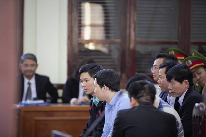 Vụ án chạy thận: Tòa tuyên Hoàng Công Lương 42 tháng tù giam - Ảnh 3.