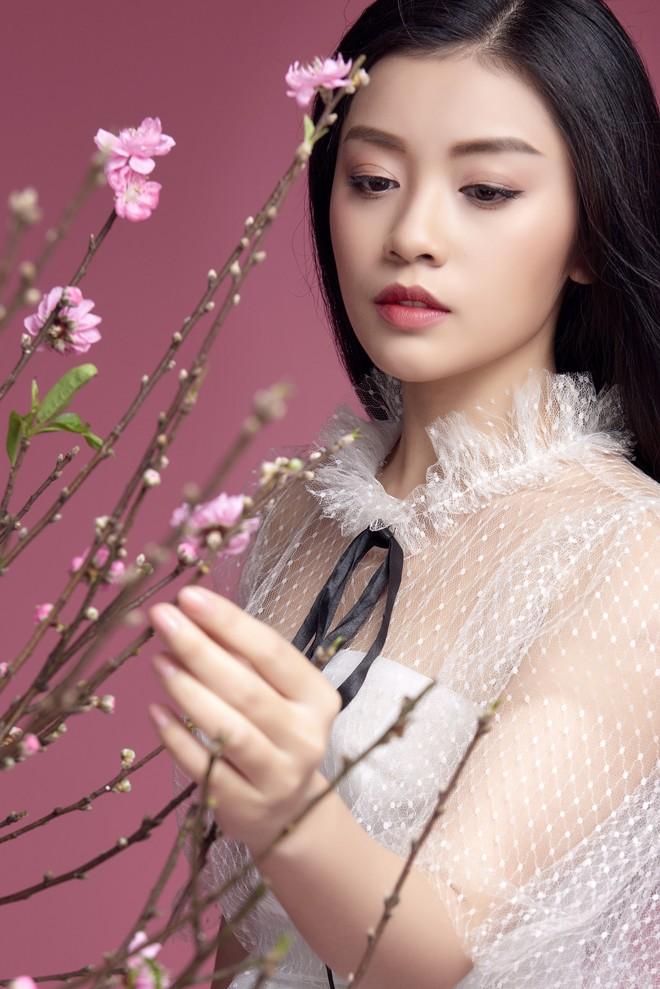 Sao Mai Thu Hằng ngày càng xinh đẹp, tung ca khúc Mùa hoa trở lại - Ảnh 7.