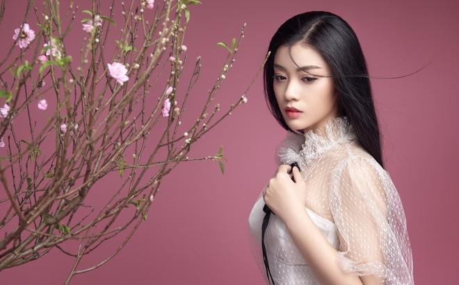 """Sao Mai Thu Hằng ngày càng xinh đẹp, tung ca khúc """"Mùa hoa trở lại"""""""