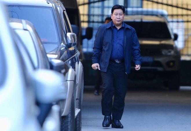 Sau khi bị tuyên hơn 30 tháng t.ù, 2 cựu Thứ trưởng Bộ Công an bình thản rời tòa - Ảnh 2.