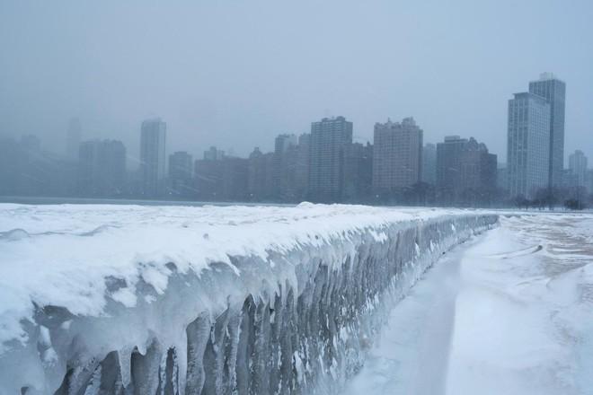 Thành phố của Mỹ đang lạnh hơn cả Nam Cực: Điều kỳ dị gì đã xảy ra? - Ảnh 2.
