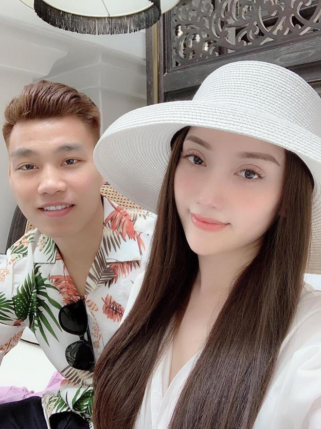 Nghỉ xả hơi ăn Tết, dàn hot boy đội tuyển Việt Nam thi nhau khoe nhà mới, đi chơi cùng bạn gái - Ảnh 12.