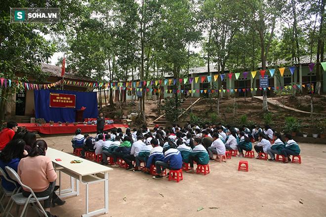 Tết sớm cho học sinh Vân Mộng - Ảnh 1.