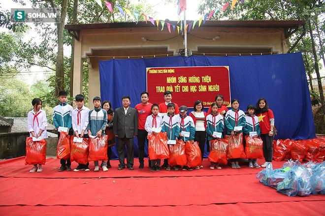 Tết sớm cho học sinh Vân Mộng - Ảnh 2.