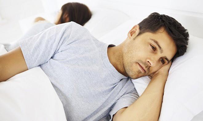 Người đi ngủ sau 12 giờ hàng ngày cơ thể tổn hại ra sao: 4 hậu quả bạn nhất định phải biết - Ảnh 3.