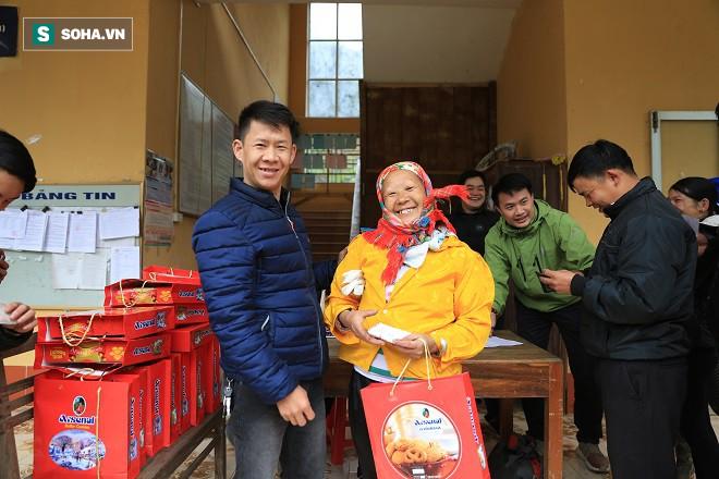Trao quà Tết tận tay người dân nghèo huyện Bảo Lạc, Cao Bằng - Ảnh 6.