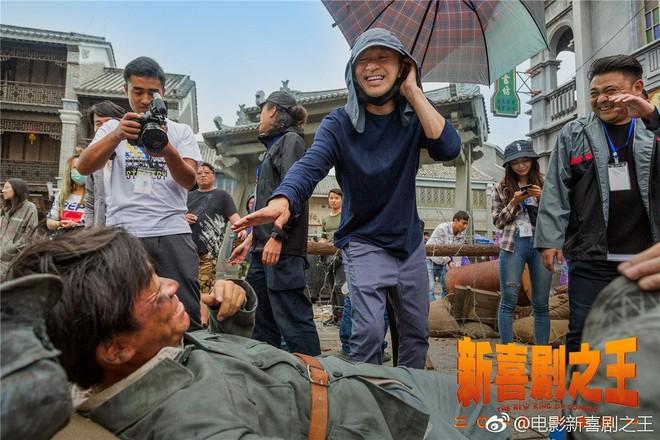 Phim chiếu Tết của Châu Tinh Trì: Xuất hiện nhân vật giống Tinh gia, Trương Bá Chi - Ảnh 2.
