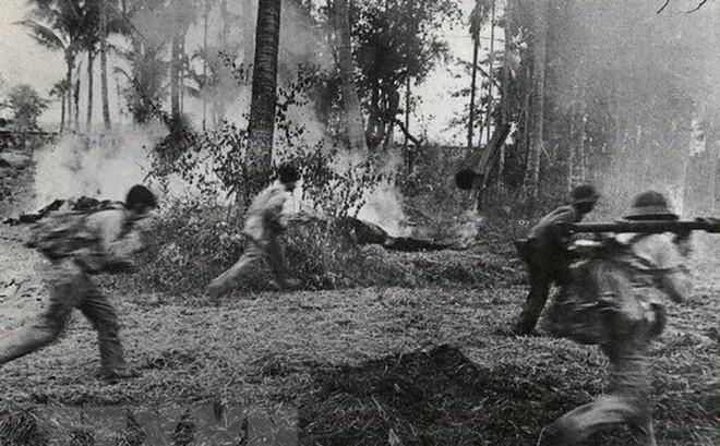 Tổng phản công, cùng quân dân Campuchia đánh đổ chế độ diệt chủng
