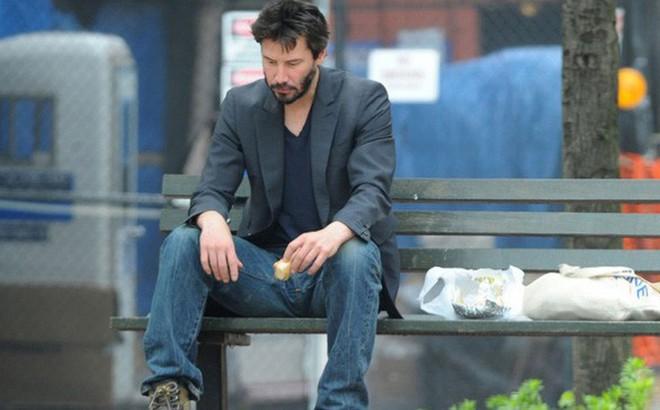 Người đàn ông của bi kịch Keanu Reeves: Một đời cô độc vì từ nhỏ bị bố bỏ rơi, lớn lên chứng kiến bạn thân đến vợ con qua đời