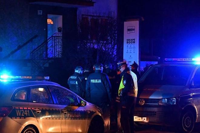 Cảnh báo: 5 thiếu niên chết cháy khi chơi game thoát hiểm - Ảnh 1.