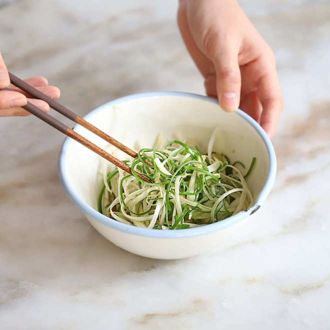 Học người Hàn cách làm món thịt áp chảo ngon ngất ngây ăn mùa lạnh hợp vô cùng - Ảnh 6.