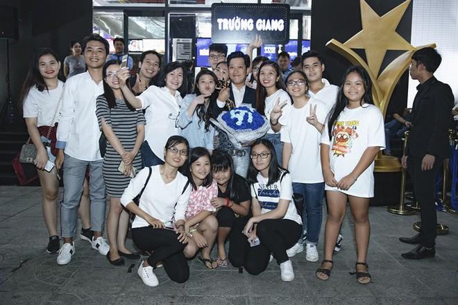 Trường Giang nhận giải Nam diễn viên điện ảnh được yêu thích nhất - Ảnh 8.