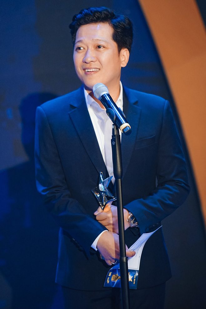 Trường Giang nhận giải Nam diễn viên điện ảnh được yêu thích nhất - Ảnh 2.