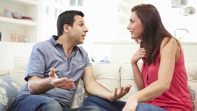Không cho vợ về nhà ngoại ăn Tết, chồng sẽ bị phạt? - Ảnh 2.