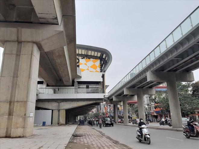 Ga đường sắt trên cao Cát Linh - Hà Đông vẫn ngổn ngang dù Tết cận kề - Ảnh 2.