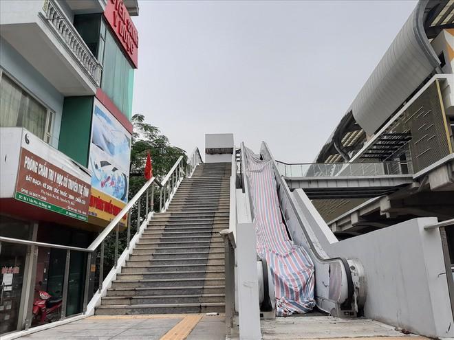 Ga đường sắt trên cao Cát Linh - Hà Đông vẫn ngổn ngang dù Tết cận kề - Ảnh 7.