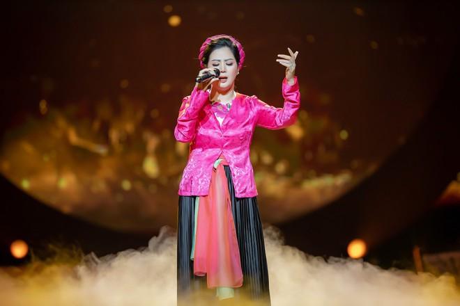 Ca sĩ Thu Phương, Đinh Hiền Anh liên tục bật khóc khi chia sẻ về cố nhạc sĩ An Thuyên - Ảnh 11.