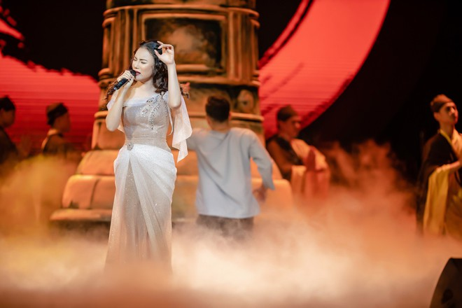 Ca sĩ Thu Phương, Đinh Hiền Anh liên tục bật khóc khi chia sẻ về cố nhạc sĩ An Thuyên - Ảnh 9.