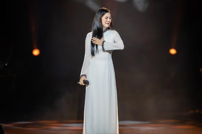 Ca sĩ Thu Phương, Đinh Hiền Anh liên tục bật khóc khi chia sẻ về cố nhạc sĩ An Thuyên - Ảnh 12.