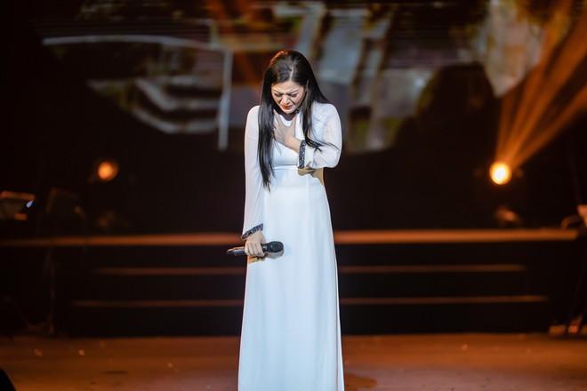 Ca sĩ Thu Phương, Đinh Hiền Anh liên tục bật khóc khi chia sẻ về cố nhạc sĩ An Thuyên - Ảnh 13.