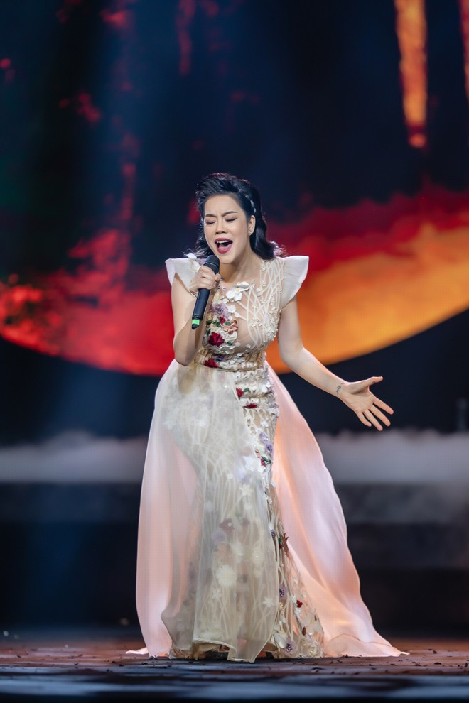 Ca sĩ Thu Phương, Đinh Hiền Anh liên tục bật khóc khi chia sẻ về cố nhạc sĩ An Thuyên - Ảnh 3.