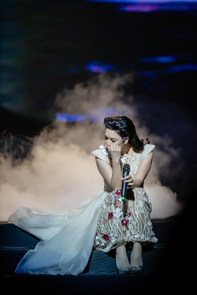 Ca sĩ Thu Phương, Đinh Hiền Anh liên tục bật khóc khi chia sẻ về cố nhạc sĩ An Thuyên - Ảnh 6.