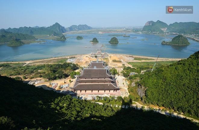 Cận cảnh ngôi chùa lớn nhất Việt Nam - Nơi sẽ đặt báu vật thiên thạch mặt trăng 600.000 USD được đấu giá từ Mỹ - Ảnh 2.