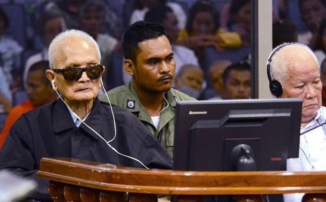 """Thủ đoạn duy nhất của Khmer Đỏ là mệnh lệnh của """"Angkar"""" và súng AK-47"""
