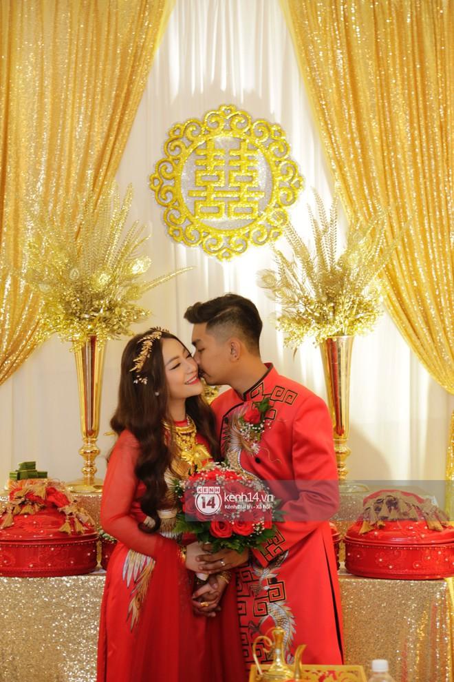 MiA rạng rỡ diện áo dài đỏ, đeo vàng đầy tay trong lễ rước dâu tại quê nhà Vĩnh Long - Ảnh 3.