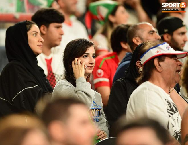 Fangirl Iran đẹp xuất thần trong ngày đội nhà giành chiến thắng đậm trước Yemen - Ảnh 5.