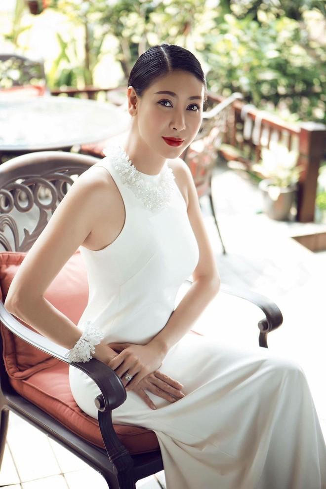 3 người con ruột của Hoa hậu Hà Kiều Anh và chồng đại gia có cuộc sống như thế nào? - Ảnh 1.