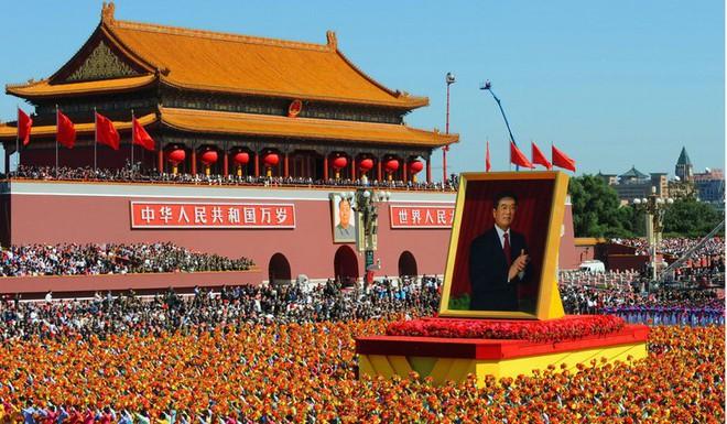 Trung Quốc phô diễn khí tài tại lễ duyệt binh lớn nhất lịch sử - Ảnh 1.