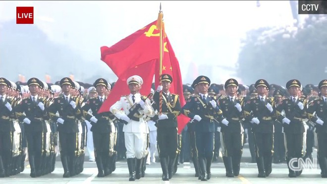 Trung Quốc phô diễn khí tài tại lễ duyệt binh lớn nhất lịch sử - Ảnh 2.