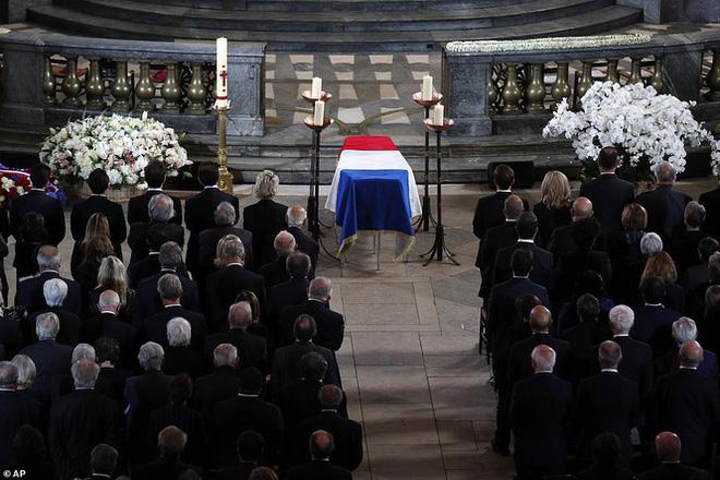 Ông Putin, ông Clinton đến Pháp viếng cố Tổng thống Jacques Chirac - Ảnh 14.