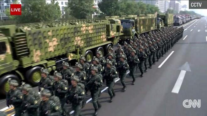 Trung Quốc phô diễn khí tài tại lễ duyệt binh lớn nhất lịch sử - Ảnh 14.