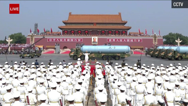 Trung Quốc phô diễn khí tài tại lễ duyệt binh lớn nhất lịch sử - Ảnh 3.