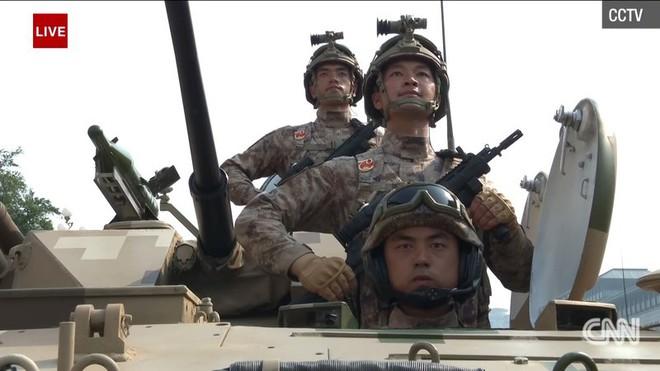 Trung Quốc phô diễn khí tài tại lễ duyệt binh lớn nhất lịch sử - Ảnh 5.