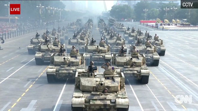Trung Quốc phô diễn khí tài tại lễ duyệt binh lớn nhất lịch sử - Ảnh 7.