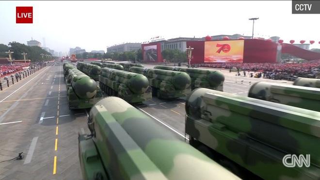 Trung Quốc phô diễn khí tài tại lễ duyệt binh lớn nhất lịch sử - Ảnh 8.