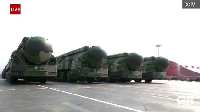 Trung Quốc phô diễn khí tài tại lễ duyệt binh lớn nhất lịch sử - Ảnh 9.