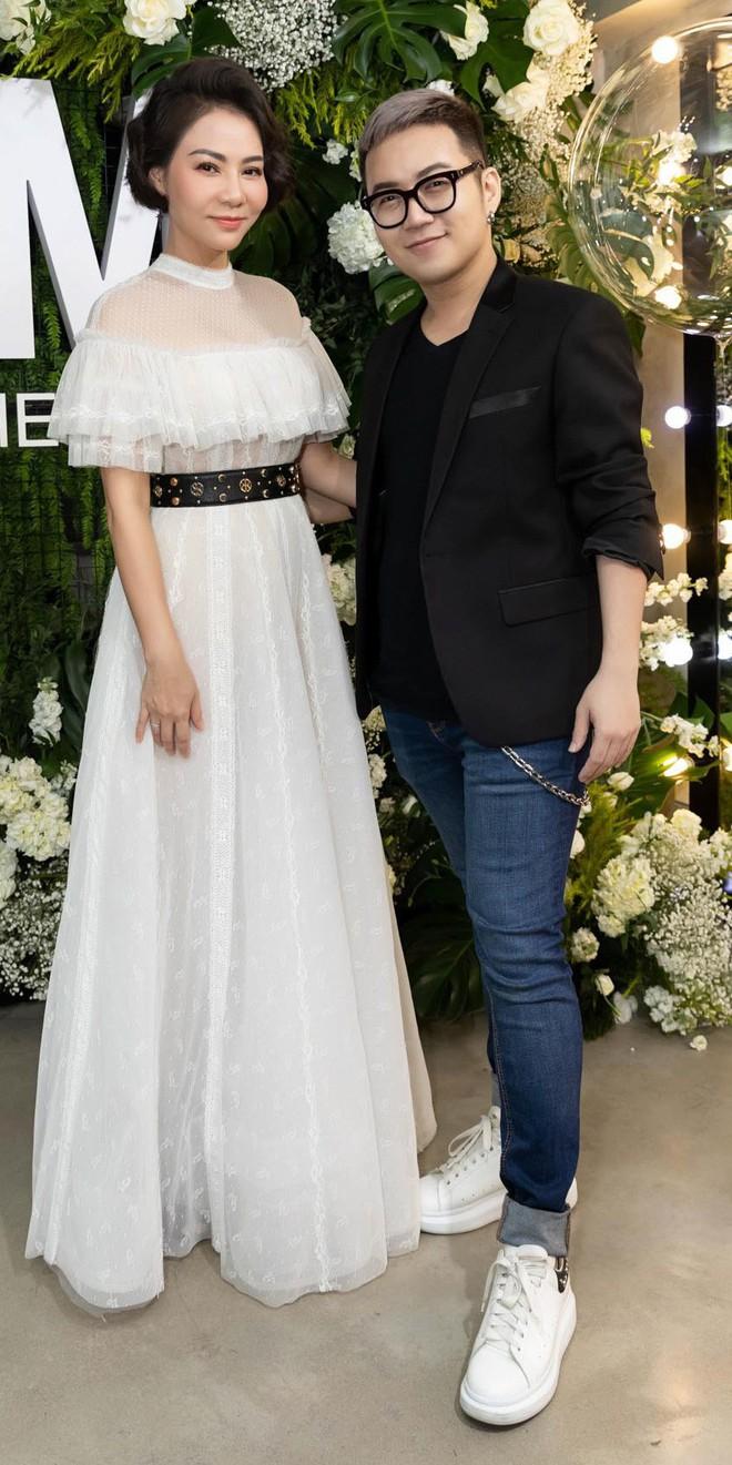 Trang Trần cùng Minh Tú gây chú ý với hình ảnh dịu dàng, nữ tính - Ảnh 9.