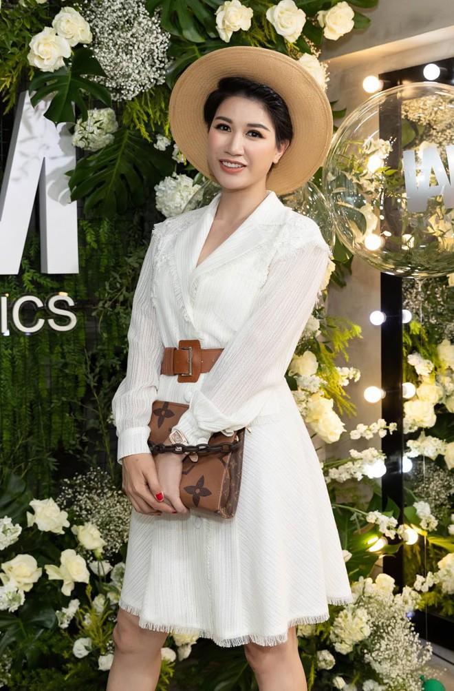 Trang Trần cùng Minh Tú gây chú ý với hình ảnh dịu dàng, nữ tính - Ảnh 4.