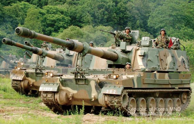 Nga giật mình khi sấm sét chiến trường K9 Thunder áp sát biên giới - ảnh 1