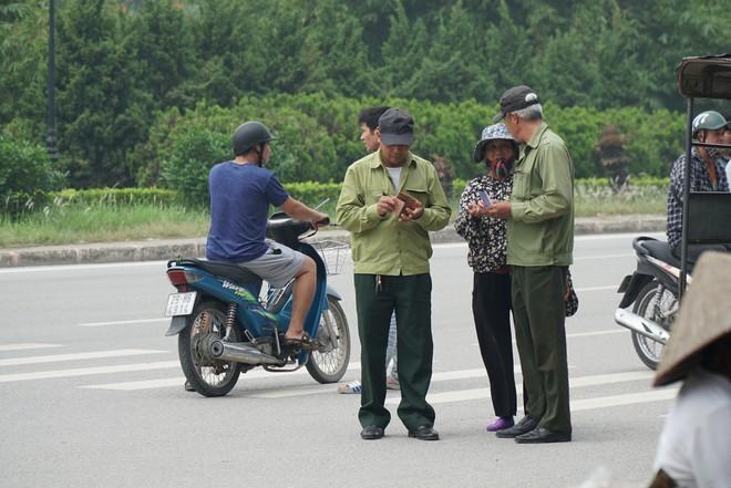 Phe vé ráo riết chèo kéo thương binh bán lại vé trận Việt Nam - Malaysia giá 1,5 triệu đồng/vé - Ảnh 17.