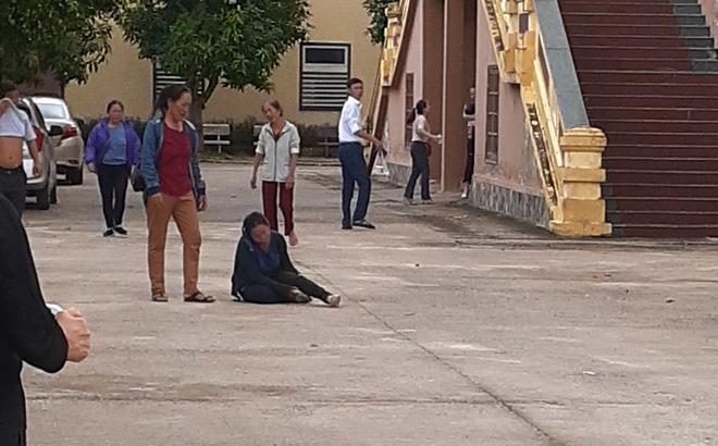 Vợ ngã khuỵu, khóc ngất giữa sân tòa khi nghe chồng bị tuyên án tử