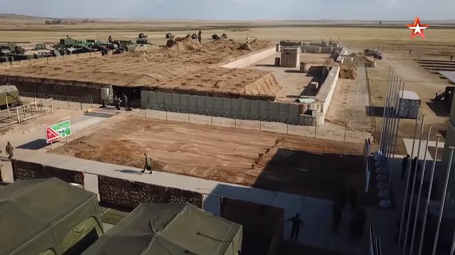 Quân đội Nga xây lâu đài cát để chống UAV: Nghe vô lý nhưng hiệu quả không tưởng - ảnh 1